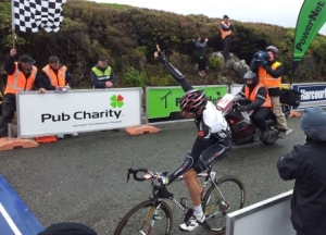 ..|_ Hayden Roulston wins Stage 2 of 2011 PowerNet Tour